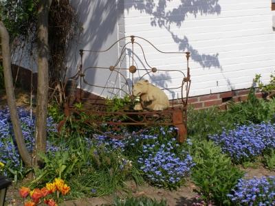 Dekorative Gartenbank